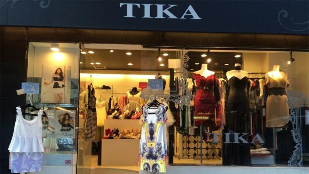 91b0cbc3787 大阪に3店舗を展開しているTika。ミニドレス・ロングドレス・キャバスーツなど幅広く展開しています。オリジナルブランド「Tika」はキャバ嬢さんから高い人気があり、  ...